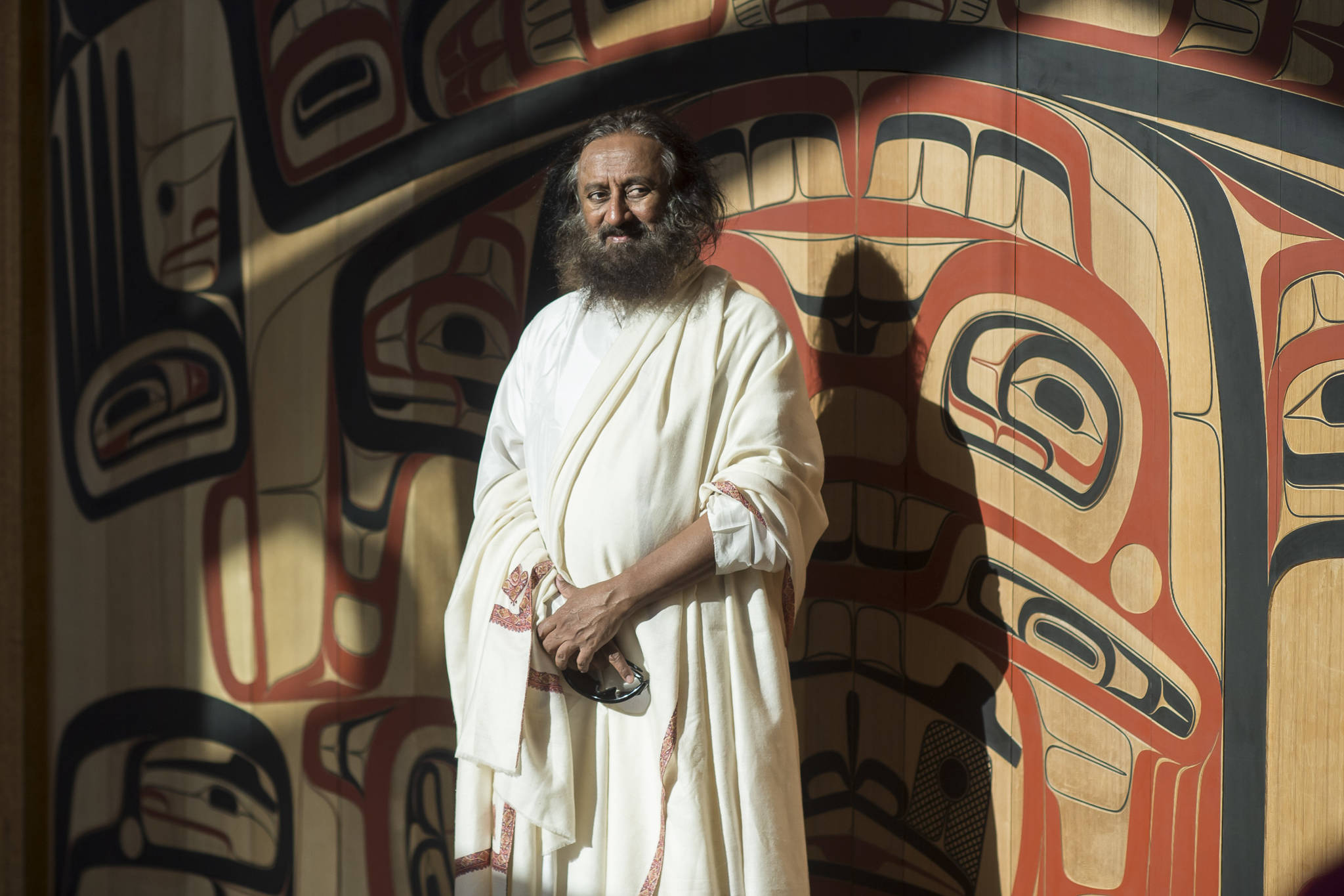 Spiritual leader Sri Sri Ravi Shankar of The Art of Living Foundation visits the Walter Soboleff Center on Tuesday, July 31, 2018, as part of his West Coast Tour that also includes San Francisco and Seattle. (Michael Penn | Juneau Empire)
