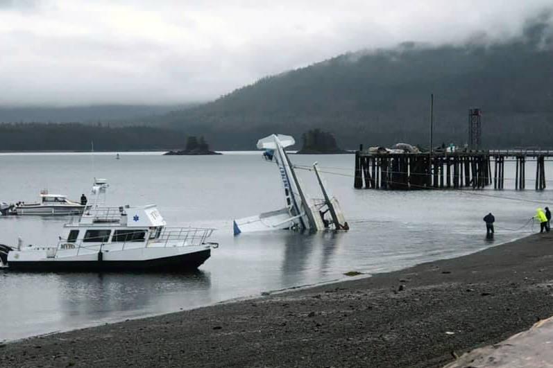 Pilot and passenger identified in floatplane crash